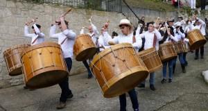 Vilariño de Conso, entre o ritmo dos folións e os saltos dos Boteiros