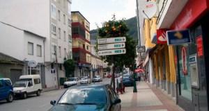 O Concello de Quiroga renova o mobiliario da rúa Real