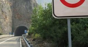 Cortes na estrada N-536, que une Valdeorras co Bierzo, no túnel de Penarrubia por obras