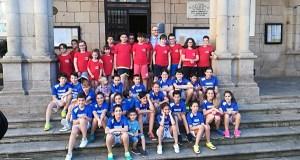 Os cativos das escolas do Balonmán Pabellón visitan o Concello de Ourense