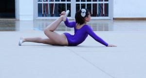 Exhibición de ximnasia rítmica e de ballet no Barco