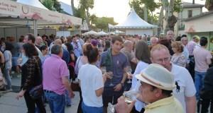 Multitudinaria Feira do Viño de Valdeorras ao ritmo da música