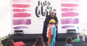 O obradoiro infantil de pintura comestible do valdeorrés Chere, na Festa dos Libros de Pontevedra