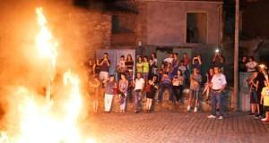 A queima da bruxa pon o broche á VII Festa Medieval de Sobrado