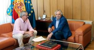 O subdelegado do Goberno en Ourense reúnese co alcalde de Castrelo do Val para falar das obras do AVE