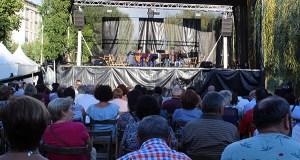 O festival musical de grupos locais pecha unha intensa fin de semana no Barco