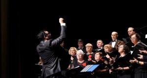 Dúas corais acompañan ao Orfeón Valdeorrés no concerto de outono celebrado no Barco