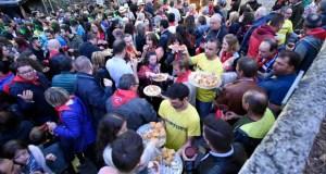 A XII Festa da Vendima de Punxeiro (Viana) escorrenta á chuvia e congrega a unhas 1.500 persoas