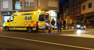 Un mozo resulta atropelado no centro da Rúa