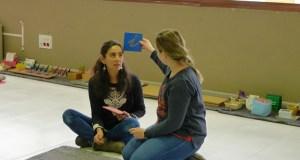 Descubrindo o proceso da aprendizaxe da fala e da escrita a través da metodoloxía Montessori, no Barco
