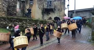 Os folións percorren as rúas do Bolo