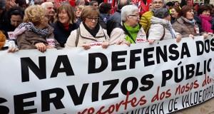 Valdeorras maniféstase en Santiago en defensa da sanidade pública