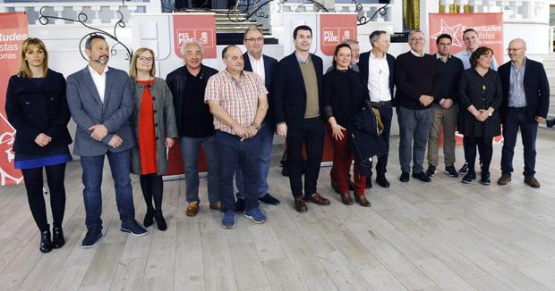 O partido socialista presenta aos seus candidatos ás municipais en Valdeorras e en Viana