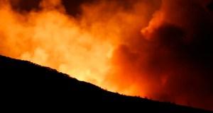 O incendio forestal de Santigoso (O Barco), que está controlado, queimou 121 has