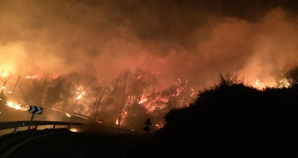 Incendio forestal con dous focos en Santigoso (O Barco)