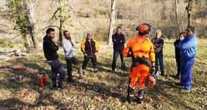 "Protección Civil de Manzaneda vén de organizar un curso de ""formación básica en motoserra"""