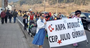 Desfile do Domingo de Entroido en Rubiá