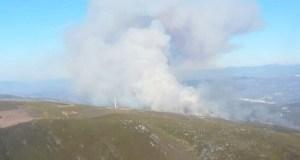 Extinguido o lume forestal de Sabuguido (Vilariño de Conso), tras queimar 85 has