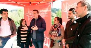 A caravana moza das Xuventudes Socialistas de Galicia chega a Valdeorras