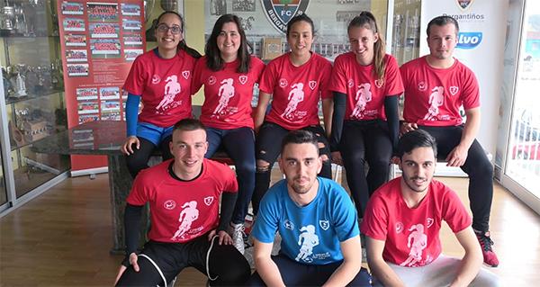 A valdeorresa Isabel Vázquez, no equipo de adestradores do I Campus Tec Fútbol Feminino, en Carballo