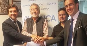 Os empresarios do polígono barquense da Raña asinan un convenio con Abanca