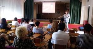"""Ana I. Lera aborda as """"Estratexias prácticas para modificar condutas"""" no CEIP Manuel Respino da Rúa"""