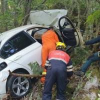 Rescatados os dous feridos que caía por un barranco en Trives