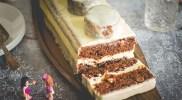 Torcik marchewkowy z białą czekoladą i morelami – klocek LEGO