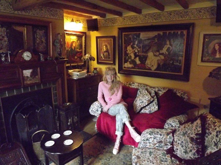 Jude Rawson - living room