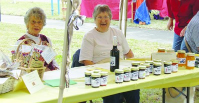 founders-day-betty-wilson-selling-jams-and-jellies-2014-11-08-14-48-19