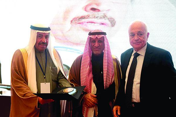 تكريم البابطين بحضور الامين العام للجامعة العربية نبيل