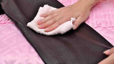 Photo of باستعمال الورنيش والباكينج صودا تنظيف الجلد. والاحتفاظ بسحره