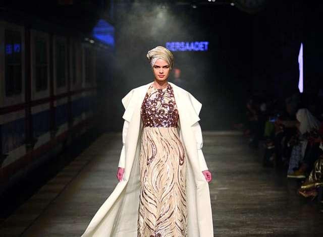 أسبوع أزياء المحجبات يحط رحاله في دبي