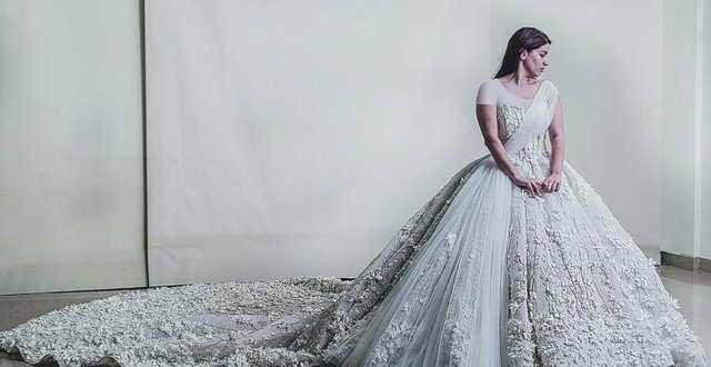 إيمان صعب: أحب الفساتين الكلاسيكية وأعشق الشك والتطريز
