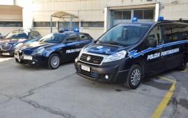 Automezzi della Polizia Penitenziaria a Sollicciano