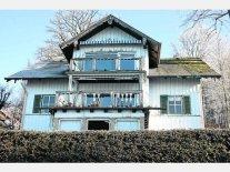 Seit Jahren dem Verfall preisgegeben: Einst war die Villa Max, Heimat der Künstlerfamilie gleichen Namens, ein stolzer, schöner Bau. Jetzt will ihn die neue Eigentümerin endgültig abreißen lassen. Foto: red