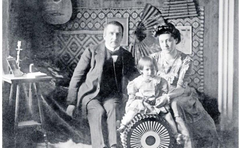 Trügerische Idylle: Ausnahme von Frank Wedekind (1864-1918) mit seiner Familie in München- Quelle: Süddeutsche Zeitung