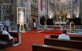 POPE DIVINE MERCY SUNDAY