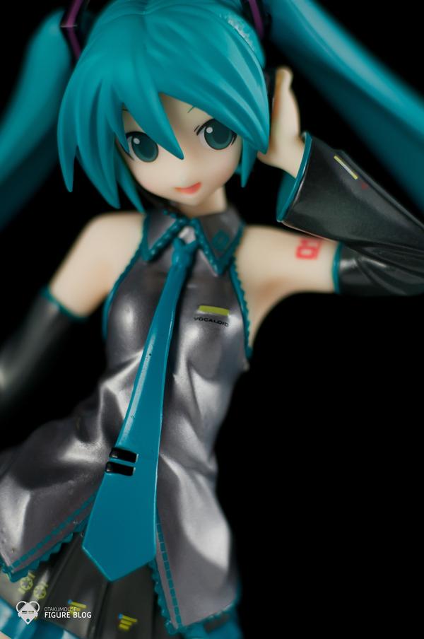 Review   GSC: Miku Hatsune (CVS 01) (26)
