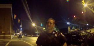 Vídeo de jogador de Pokémon GO a bater em carro da Polícia