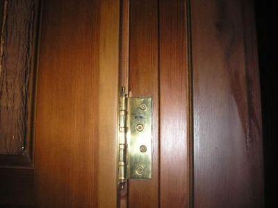 Врезка петель в дверную коробку
