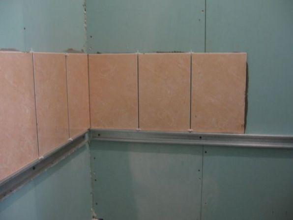 укладка плтки в ванной017