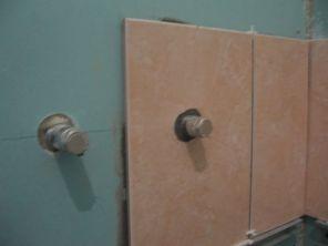 укладка плтки в ванной022