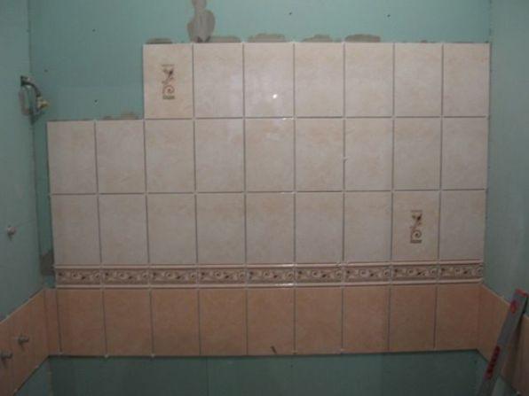 укладка плтки в ванной050