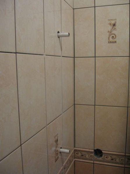 укладка плтки в ванной104