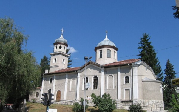 Църкви и манастири около Велинград