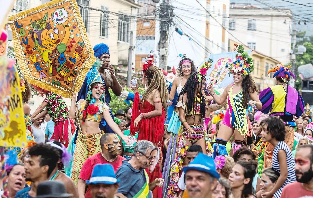 Carnaval: um guia de voos, pacotes de viagens e camarotes para curtir a folia