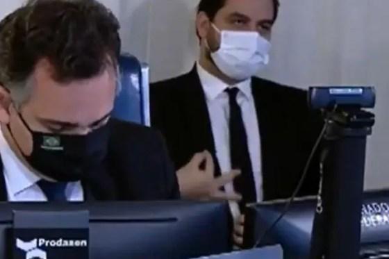 Senado pede afastamento de Filipe Martins, e Bolsonaro busca cargo para  assessor | O TEMPO