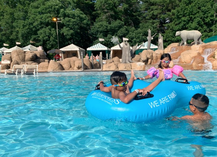 A first timers guide with tips to enjoy the Wilderness Resort in Wisconsin Dells, Wisconsin.
