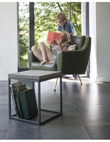 table basse perspective s en metal et plateau en beton au style industriel par lyon beton